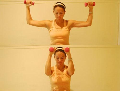 Nên tập tạ nặng từ 0,5 - 1,5 kg để giúp vòng 1 to hơn