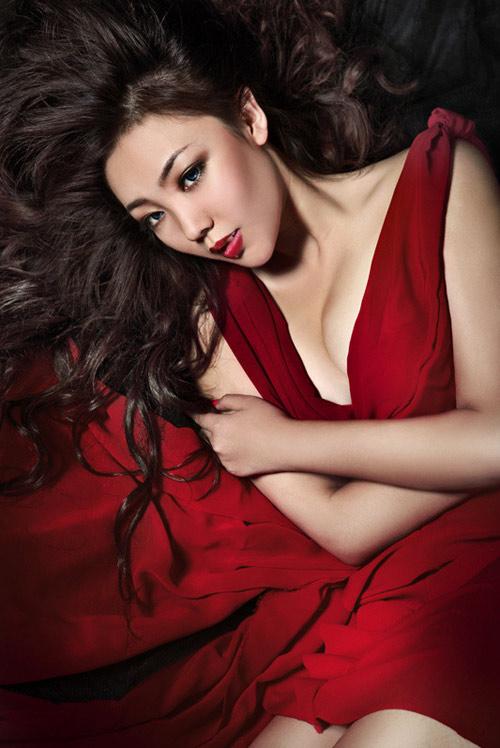 Phụ nữ trở nên quyến rũ và hấp dẫn khi có vòng 1 đẹp 2