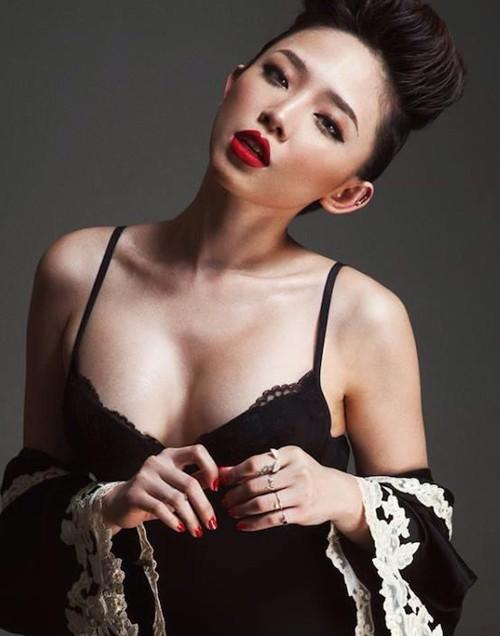 http://phauthuatnguc.com.vn/phu-nu-a-dong-chon-nang-nguc-y-line-tai-tmv-kangnam 4