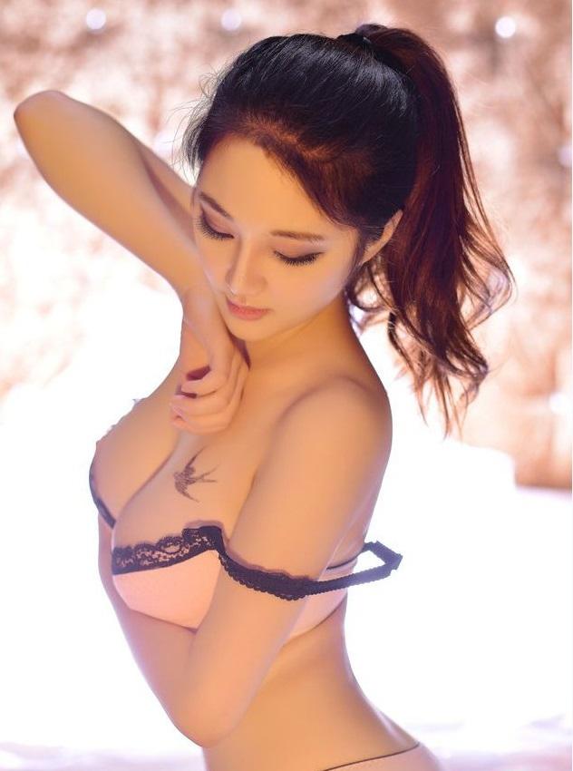 Thẩm mỹ vòng 1 Y-line - Bí quyết để có bộ ngực to và đẹp tự nhiên 1