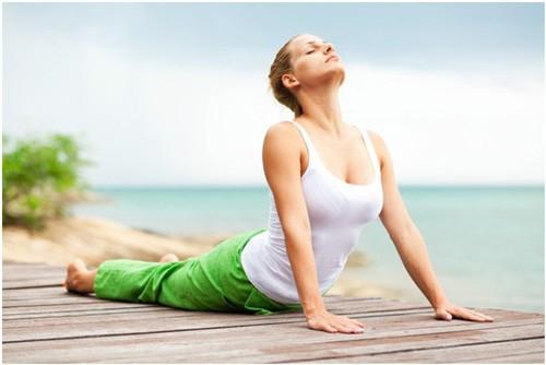 """""""Bật mí"""" 4 bài tập yoga giúp tăng vòng 1 hiệu quả2"""