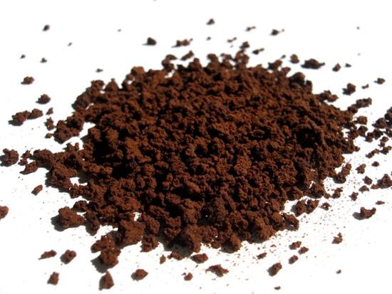 Bã cà phê giúp tan mỡ, làm vòng 1 săn chắc hơn