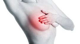 Tư vấn phẫu thuật nâng ngực nội soi có hại gì không từ bác sĩ