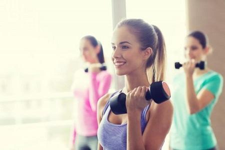 tập tạ là cách khắc phục ngực không đều hiệu quả nhất
