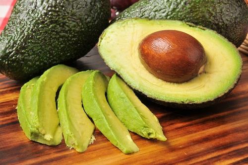 Ăn gì giúp ngực to ra - Bơ  chứa nhiều dưỡng chất có lợi phát triển vòng 1