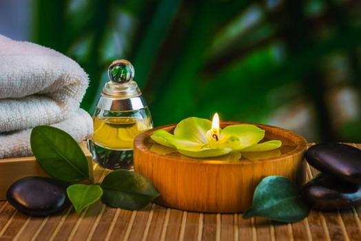 Cách massage giúp vòng 1 to lên hiệu quả với tinh dầu