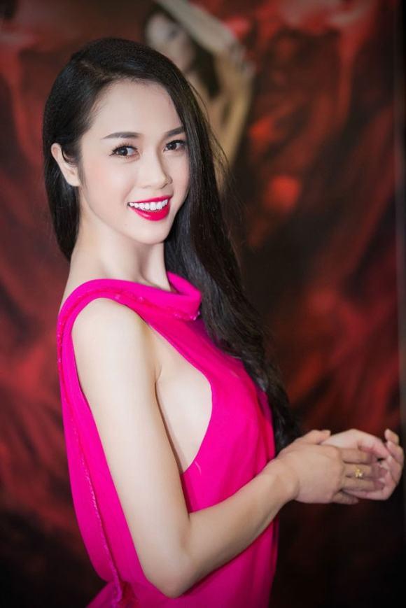 """Nâng ngực Y-line Hàn Quốc """"chinh phục"""" chị em Á Đông 1"""