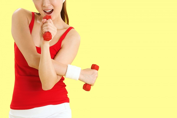 Những quan điểm sai lầm khi tập tạ tay cho nữ ngực nhỏ3