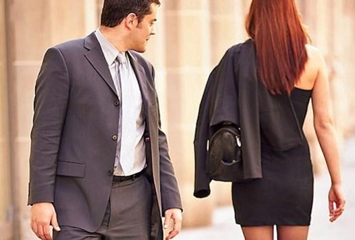 20% cho rằng phụ nữ ngực nhỏ cũng có nét quyến rũ riêng